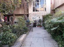 دار قطع 210 متر واجهه 7 متر يباع كا قطعه ارض في المنصور شارع الاميرات قرب اسواق