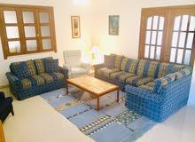 Sitting room furniture for sale - أثاث غرفة الجلوس للبيع