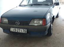 Manual Opel Rekord 1983