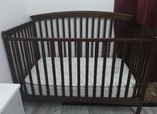 سرير اطفال ممتاز ومرتبه