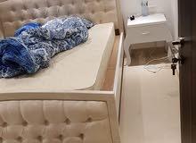 سرير كينج بدون مترس مستعمل في حاله ممتازه ونظيف المطلوب 90 دينار