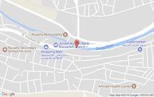 معارض +محلات للأيجار بمساحات مختلفه على الشارع الرئيسي في الرصيفه