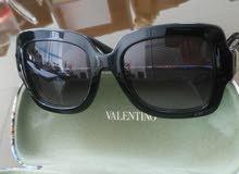 نظاره VALENTINO