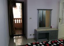 شقة مفروشة ومكيفة امام شاطئ سيدي بشر 3 الشقة بعمارة تي داتا الدور الثالث 130 متر