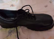 للبيع حذاء ماركة  Mellow Walk صناعة كندية اصلي ، الحذاء سفيتي من الامام  وجلد طبيعي لم يستخدم