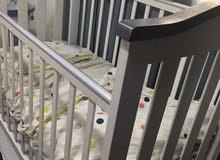 سرير اطفال ومستلزمات اطفال