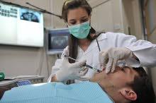 مطلوب طبيبة اسنان بخبرة لعيادة أسنان.