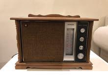 للبيع راديو هيتاشي أثري اصدار عام 1966م