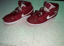 Air jordan 1 gym red mid