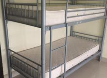 سرير من ايكيا استعمال نظيف طابقين