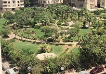 شقة للبيع مدينة نصر 220متر برج حديث فيو بانوراما علي مربع حديقة موقعها شارع متفرع من عباس العقاد