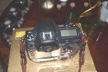 للبيع كاميرة احترافية نيكون D4 بودي من دون عدسة