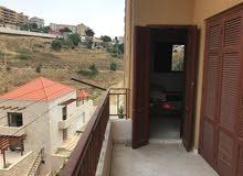 شقة مرتبة في بحمدون للبيع