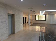 مبنى إداري للبيع في طرابلس