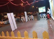 مطعم للبيع في صحار قريب الحديقه والبحر ودخل ممتاز للبيع لضروره