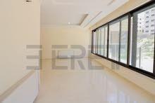 شقة مساحة 180م2 مع روف مبنى 50م2 و ترس 45م2 بتشطيبات فندقية بتلاع العلي