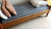 سرير مفرد (خشب) للبيع