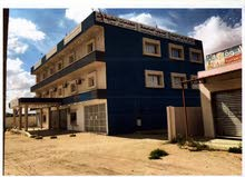 للبيع مبنى عيادة 3 ادوار  /سوق الخميس امسيحل بجانب مصنع الاسمنت / ٍSamr