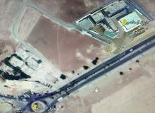 ارض 730م في مادبا قرب كازية المناصير