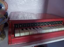 بيانو كلاسيكي للبيع خشب يعمل بدون كهرباء