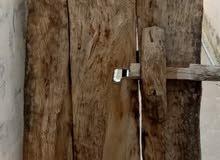 للبيع .....باب  خشب تراثي عمره فو مائتين سنه لبيت حجر تهامي