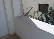 شقة طابق أول للايجار في مرج الحمام قرب الخدمات