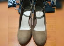 New Look Gamuza Nude Corporate Shoes. whats app 0555610989