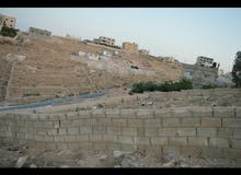 ارض للبيع بسعر مغري من المالك مباشره  في الزرقاء حي الزواهره ~القعقاع مساحه الار