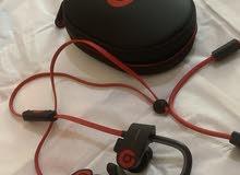 beats powerbeat headphone