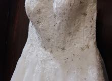 فستان عرس مع طرحه وتاج