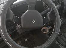 سيارة رينو 19