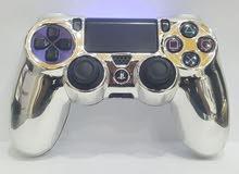 غلاف جويستك PS4 متوفر لون ذهبي وفضي.