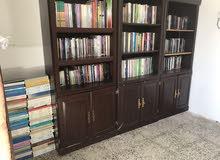 للبيع مكتبة ضخمة في حدود الـ 1000 كتاب