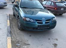 سيارة نيسان 2002