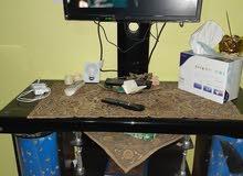 طاولة تلفاز استعمال نظيف للبيع ليس بيها اي خلل