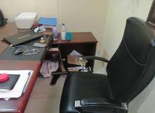 مكتب اداره شبه جديد مع ملحقاته