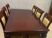 للبيع طاولة طعام لـ 6 اشخاص ( خشب اصلي )