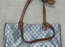 حقائب يد بحالة جيدة استعمال خفيف