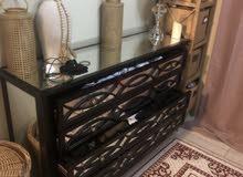 dresser / chest drawers