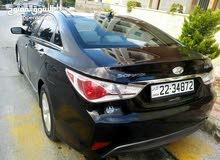 Automatic Black Hyundai 2013 for rent