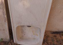 حوض مطبخ فخارى بحالة جيدة