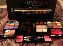 HUDA BEAUTY MADE IN ITALY MATTE LIPSTIC AND MAKE UP KIT