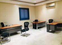 يوجد لدينا مكاتب مؤثثة بحي الفلاح شمال الرياض بقرب من جامعة الإمام محمد بن سعود