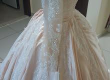 فستان زفاف او خطوبه جديد