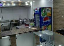 محل للإيجار بالعزيزية مجهز كمعطعم للوجبات السريعة