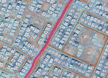 للبيع سكنية في المعبيلة 4 بلوك 12 على ثاني خط من الشارع الرئيسي