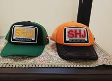 "2 Caps ""Sharjah"""
