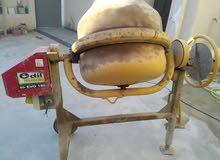 عجانة اسمنت ( النحله ) كهرباء 220 صناعة ايطالية شبه جديده