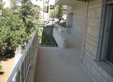شقة تجاري 300م أرضية في أم اذينه بمدخل مستقل للإيجار مكتب، عيادات...