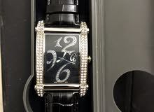 ساعة بفصوص الماس